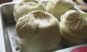 выставляем фрукты в форму для выпекания