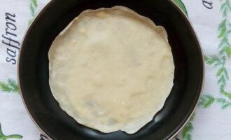 жарим на раскаленной сковороде